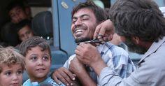 Milhares voltam a cidade síria após fuga de militantes do Estado Islâmico