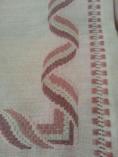 ponto reto - toalhabordado bargello o florentino ile ilgili görsel sonucu Motifs Bargello, Broderie Bargello, Bargello Patterns, Bargello Needlepoint, Needlepoint Stitches, Needlework, Cross Stitches, Loom Patterns, Swedish Embroidery
