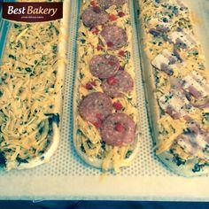 i na co się tu zdecydować ? Ser, Salami, Bekon ??? 😄😄😄 Wszystkie zapiekanki Best Bakery są smaczne ale dzisiaj zaczynamy od Bekonu 😄😄😄 Miłego weekendu 😄 Stefan 😄 #asunto #bestbakery #pieczywo #bagietki #kanapki #croissant #hamburegry #zapiekanki #ciabatta #IFollowYou  #myfood #przepisy