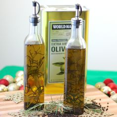 healthy homemade #Christmas #gift ~ Rosemary Peppercorn Infused Olive Oil from Living Well Kitchen