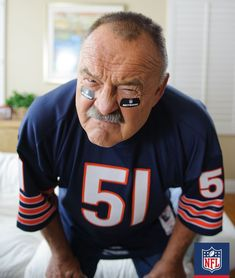 Imagine staring down this fearsome fellow at the line of scrimmage. Hall of  Fame linebacker · Nfl BearsNfl Chicago BearsBears FootballNfl ... 10fa844ab