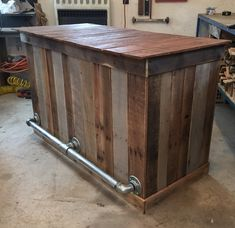 Bar How beautiful this bar would be in your home. Dimensions are These can The post Bar appeared first on Outdoor Ideas. Wood, Rustic Bar, Diy Outdoor Bar, Wood Pallets, Backyard Bar, Wood Projects, Bars For Home, Bar Design, Tiki Bar