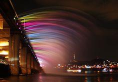 달빛무지개 분수 banpo bridge, seoul, han river, south korea