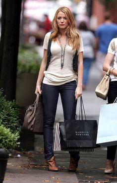 Blake Lively - cómodo look para ir de shopping