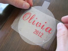 Have a die cutting machine such as the Silhouette Cameo? Make these cute floating Christmas ornaments by inserting a clear vinyl transp. Vinyl Ornaments, Diy Christmas Ornaments, Christmas Projects, Christmas Crafts, Christmas Bulbs, Custom Ornaments, Christmas Vinyl, Mickey Christmas, Glitter Ornaments