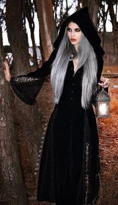 2018 women fashion spring and autumn halloween medieval maiden cosplay dress womens vintage costume hooded dress Witch Fashion, Gothic Fashion, Gothic Girls, Dark Beauty, Gothic Beauty, Maquillage Halloween Clown, Goth Look, Gothic Models, Beltane