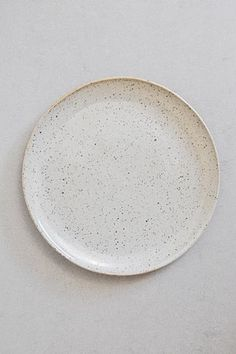 SUE PARASKEVA | Natural Speckled Plate | fen and ned