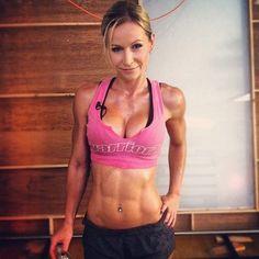 Muscle & Sexiness   hotathleticgirls: Zuzka Light Zuzanna Light