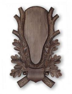 Řezbovaná podložka pod trofej JL/3 Wood Crafts, Diy And Crafts, Antique Wall Clocks, Deer Mounts, Wood Carving Patterns, Scroll Saw, Black Forest, Taxidermy, Diy Painting