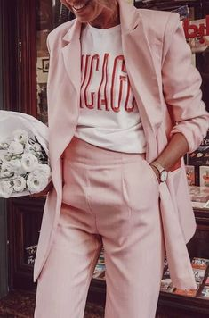 3 Ways to combine pastel pink in your 3 Manieren om pastel roze te combineren in je outfit Millenial pink Pink Outfits, Casual Outfits, Fashion Outfits, Fashion Trends, Fashion Ideas, Classic Outfits, Short Outfits, Mode Style, Style Me
