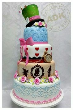 Alice in Wonderland Cake: