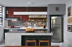 Reforma de antigo sobrado paulistano da arquiteta e moradora Maristela Faccioli #kitchen #cozinha