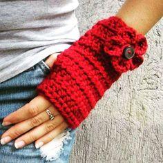 Aún nos queda invierno. Para estos días de frío. Tengo cuellos, bufandas y pantuflas Crochet hecho a mano. Sólo a pedido Envía mensaje