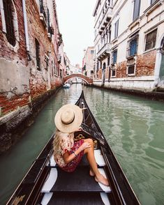venice italy gondola, travel inspo pictures The Best Destinations in Europe for Fall Colors Venice Travel, Italy Travel, London Travel, Spain Travel, Amazing Destinations, Travel Destinations, Travel Pictures, Travel Photos, Places To Travel