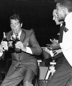 "Members of the ""Rat Pack"" . Dean Martin, Frank Sinatra and Sammy Davis, Jr. Dean Martin, Jerry Lewis, Vintage Hollywood, Classic Hollywood, Franck Sinatra, Joey Bishop, Sammy Davis Jr, Tony Soprano, Junior"