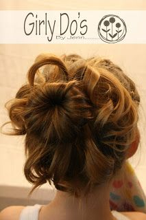 Cute hair style that looks not too time consuming to do! Gotta try this tomorrow!