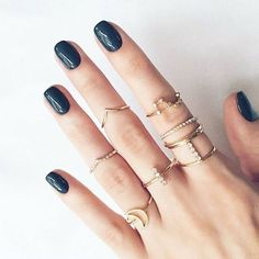 You can't go wrong with perfectly polished nails & pretty jewels