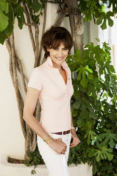 Ines de la Fressange would wait for you near the garden gate.