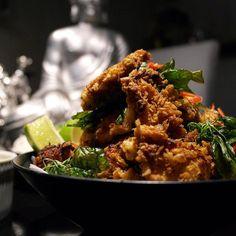 Vietnamese popcorn chicken http://www.kotikokki.net/reseptit/nayta/636173/Vietnamilaista%20popcorn%20broileria/