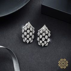 Check out these pretty Indian diamond earrings designs online by the brand Manubhai Jewellers. Real Diamond Earrings, Diamond Necklace Set, Diamond Earing, Small Earrings, Diamond Jewellery, Diamond Studs, Bold Necklace, Ruby Necklace, Diamond Pendant