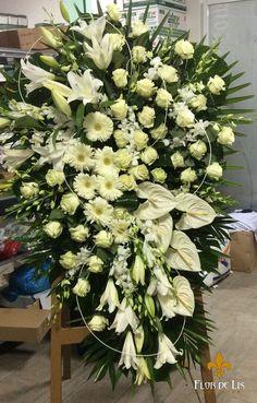 Galería Centros Difunto « Flor de Lis Casket Flowers, Altar Flowers, Church Flowers, Funeral Flowers, Wedding Flowers, Funeral Floral Arrangements, Unique Flower Arrangements, Unique Flowers, White Flowers