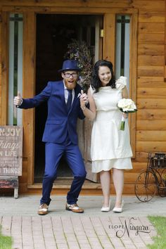 Something blue at the wedding? Oh yeah, got that covered at The Little Log Wedding Chapel in Niagara