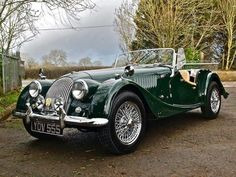 Old Sports Cars, British Sports Cars, Vintage Sports Cars, Retro Cars, Vintage Cars, Classic Cars British, Old Classic Cars, Classic Sports Cars, Bmw Classic