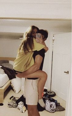 50 Sweet Relationship Goal Photographs You Will Love - Page 37 of 50 - Couple Goals Cute Couples Photos, Cute Couple Pictures, Cute Couples Goals, Adorable Couples, Teen Couples, Romantic Couples, Goofy Couples, Couple Goals Teenagers, Cute Couples Kissing