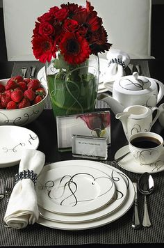 Register for fine china that you'll actually use! Modern china pattern ideas.