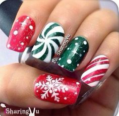 I am providing a post of red, green & white Christmas nail art designs & ideas of these Xmas nails are spectacular. Cute Christmas Nails, Xmas Nails, Red Nails, White Christmas, Valentine Nails, Santa Christmas, Halloween Nails, Christmas Events, Disney Christmas