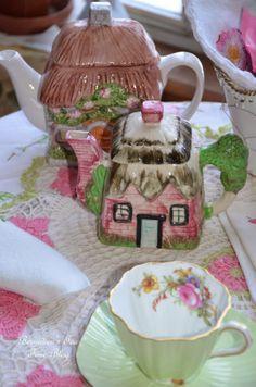 """Bernideen's Tea Time Blog: ANOTHER LITTLE COTTAGE TEAPOT FOR """"Friends Sharing Tea"""""""