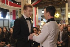 Photo of Ian and Mickey's Wedding on Shameless Had Every Gallavich Fan in Tears Shameless Mickey And Ian, Shameless Tv Show, Ian And Mickey, Shameless Scenes, Noel Fisher, Cameron Monaghan, Music Tv, Best Couple, Best Tv