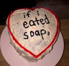 Ugly Cakes, Tokyo Restaurant, Funny Cake, Cute Desserts, Just Cakes, Pretty Cakes, Mood Pics, Amazing Cakes, Dumb And Dumber