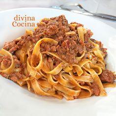 Los tallarines al ragú son un clásico de la cocina italiana. Esta receta es la versión tradicional de la salsa y te indicamos cómo darle tu toque personal.
