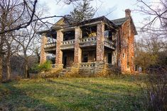 Abandoned. Old Plantation House in Platte County, Missouri.