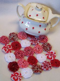 Peppermint Christmas White Red YoYo Table Runner  how festive and fun!!!