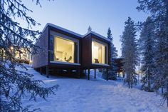Completed in 2016 in Rovaniemi, Finland. Images by Marc Goodwin. The Arctic TreeHouse Hotel project started with a concept design that was developed i close cooperation with the client. The inspiration for the. Arctic Cabins, Private Sauna, Treehouse Hotel, Lobby Bar, Hotel Architecture, Building Architecture, Unique Hotels, Big Windows, Nordic Design