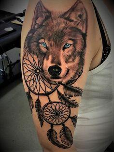 Best Fox & Wolf Tattoos for Females - Tattoos for Girls Tattoos Skull, Animal Tattoos, Body Art Tattoos, Chest Piece Tattoos, Chest Tattoo, Wolf Face Tattoo, Wolf Tattoo Sleeve, Tribal Sleeve Tattoos, Wolf Tattoo Design