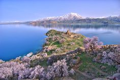 Lake Van - Always Armenia.my land,my blood.my eyes.my heart.my Martyr Armenia. Visit Turkey, Big Lake, Seen, Turkey Travel, Lake District, Cool Places To Visit, Beautiful Landscapes, Wonders Of The World, Georgia
