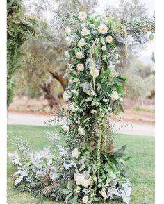 You posted on Instagram: Flores blancas y hojas de otoño! Detalles de boda en Ronda. Con @tuccoweddingsanduniqueaffairs y fotografía de @victoralaez . . #bodas #boda #wedding #weddingdress #weddingday #weddingdecor #weddingdesigner #weddingflowers #otoño #ronda — view photo