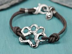 LOVE, LOVE, LOVE Island Cowgirl jewelry. I have several of her pieces, including this one. Love her causal style. Lots of dog/paw options as well as horseshoe stuff. LOVE.