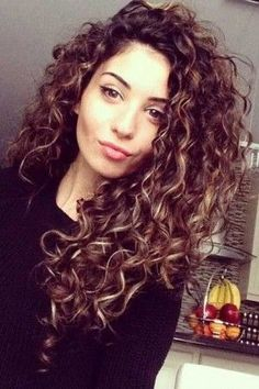 Must-See Curly Hairstyles for Women #HairstylesForWomenPerms