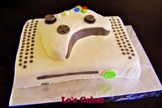 Fan de jeux vidéo cette Xbox et sa manette est en effet un gâteau !