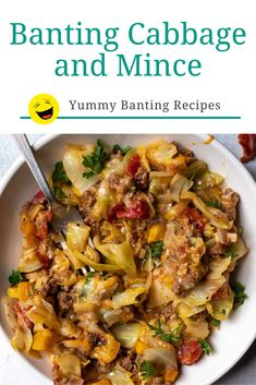This yummy banting cabbage and mince recipe by Nicole from Wonky Wonderful is a quick one-pot family dinner full of healthy veggies, and fat. And it's good for leftovers too. We've made a few small tweaks to make the recipe Banting green list friendly. Healthy Eating Recipes, Healthy Cooking, Diet Recipes, Vegetarian Recipes, Cooking Recipes, Veggie Mince Recipes, Banting Diet, Banting Recipes, Lchf