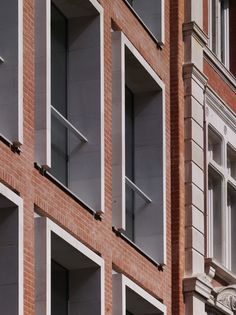Project: One Vine Street, The Quadrant Architect: Allies and Morrison Brickwork Contractor: Irvine Whitlock Ltd Brick: Ibstock - Swanage Special Light Stock Brick Architecture, London Architecture, Architecture Details, Brick Design, Facade Design, Brick Detail, Brick Texture, Modern Architects, Brick Facade