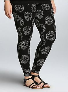 """<p>We're starry-eyed for starry skulls, especially when they spice up an essential like solid black leggings. With a thicker fabric, tapered fit, and wider waistband, these starry skull print leggings smooth your figure, making you look out-of-this-world good.</p><ul><li>29 1/2"""" inseam</li><li>Cotton/spandex</li><li>Wash cold, dry low</li><li>Imported plus size leggings</li></ul>"""