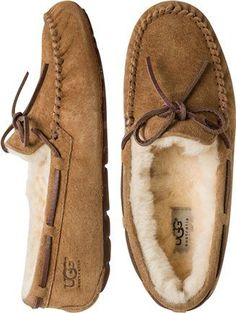 NORmally i wouldn't wear uggs.. but THESE <3 <3 <3 UGG DAKOTA SLIPPER > Womens > Featured > Gift Guide | Swell.com