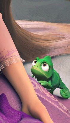 I love that chameleon in this movie. Tangled Wallpaper, Wallpaper Iphone Disney, Cute Disney Wallpaper, Cute Cartoon Wallpapers, Disney Magic, Disney Art, Disney Movies, Disney Pixar, Disney Rapunzel