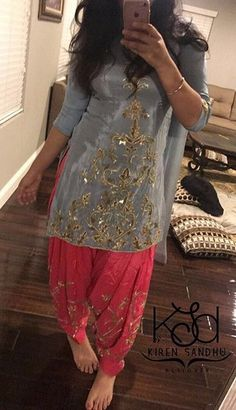I love the contras Simple Pakistani Dresses, Pakistani Dress Design, Pakistani Outfits, Indian Dresses, Indian Outfits, Punjabi Fashion, Indian Fashion, Salwar Designs, Blouse Designs