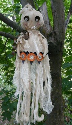 Halloween BOO GHOST E PATTERN email primitive chains lock banner buttons bottlecap cheesecloth